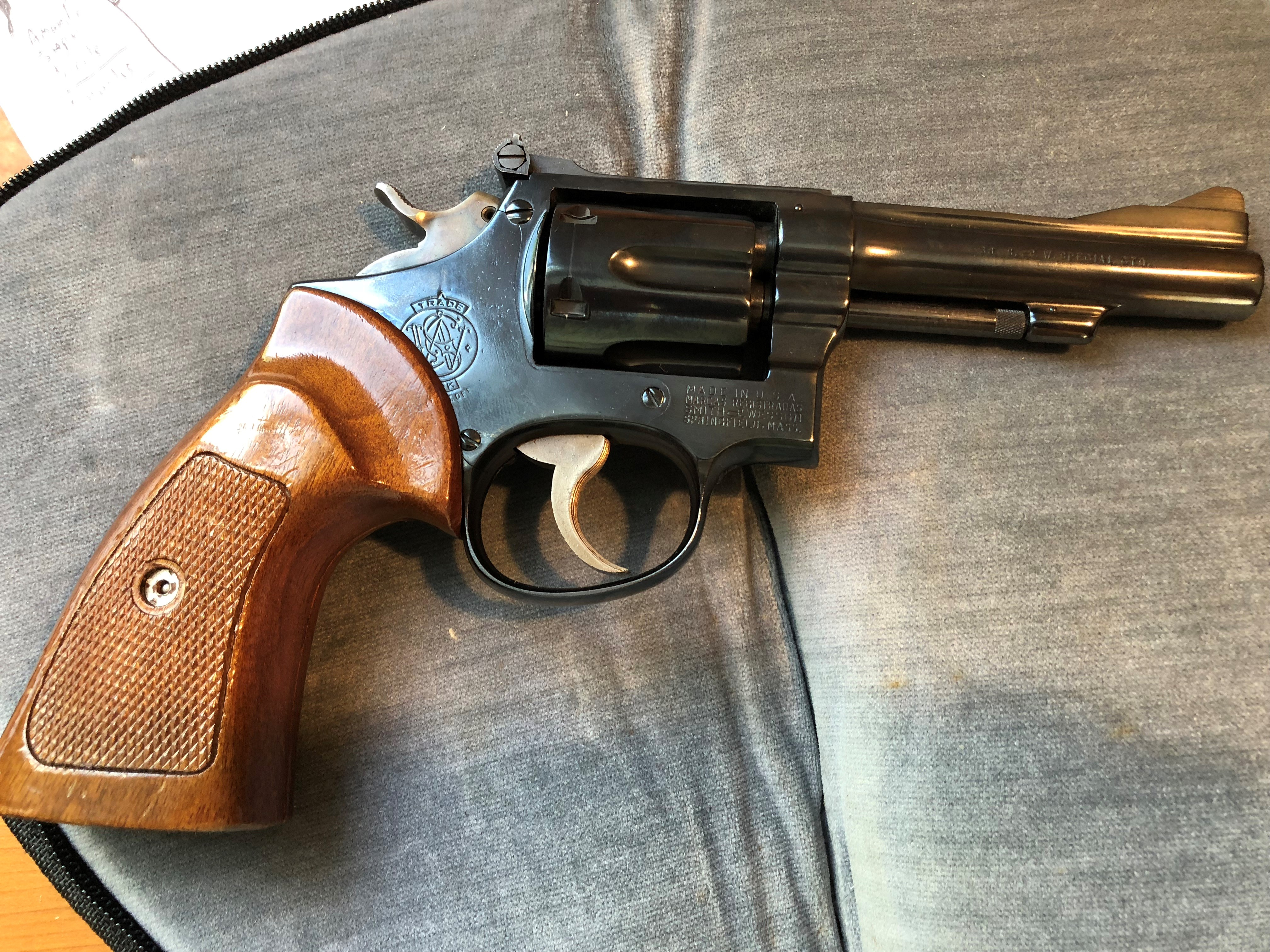 Date k smith and serial of frame wesson manufacture number Smith &