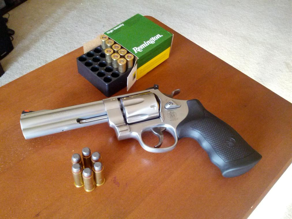 FS: S&W 629 Classic and ammo