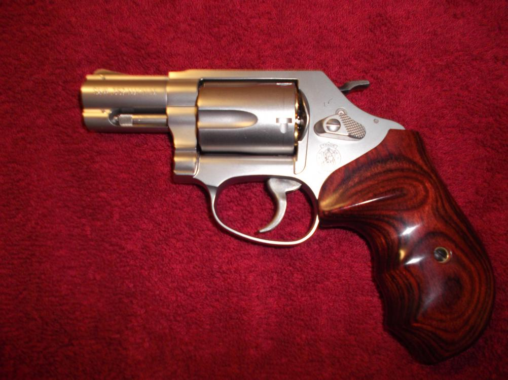 smith and wesson airweight j frame grips