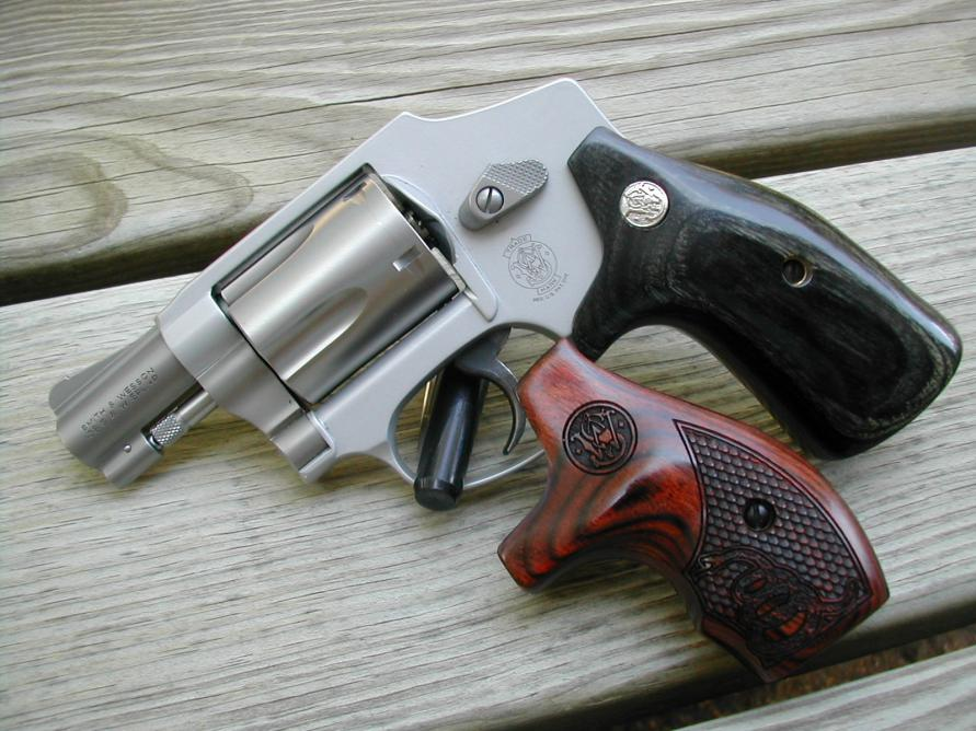 Round to square conversion grips for a J-frame S&W,,,