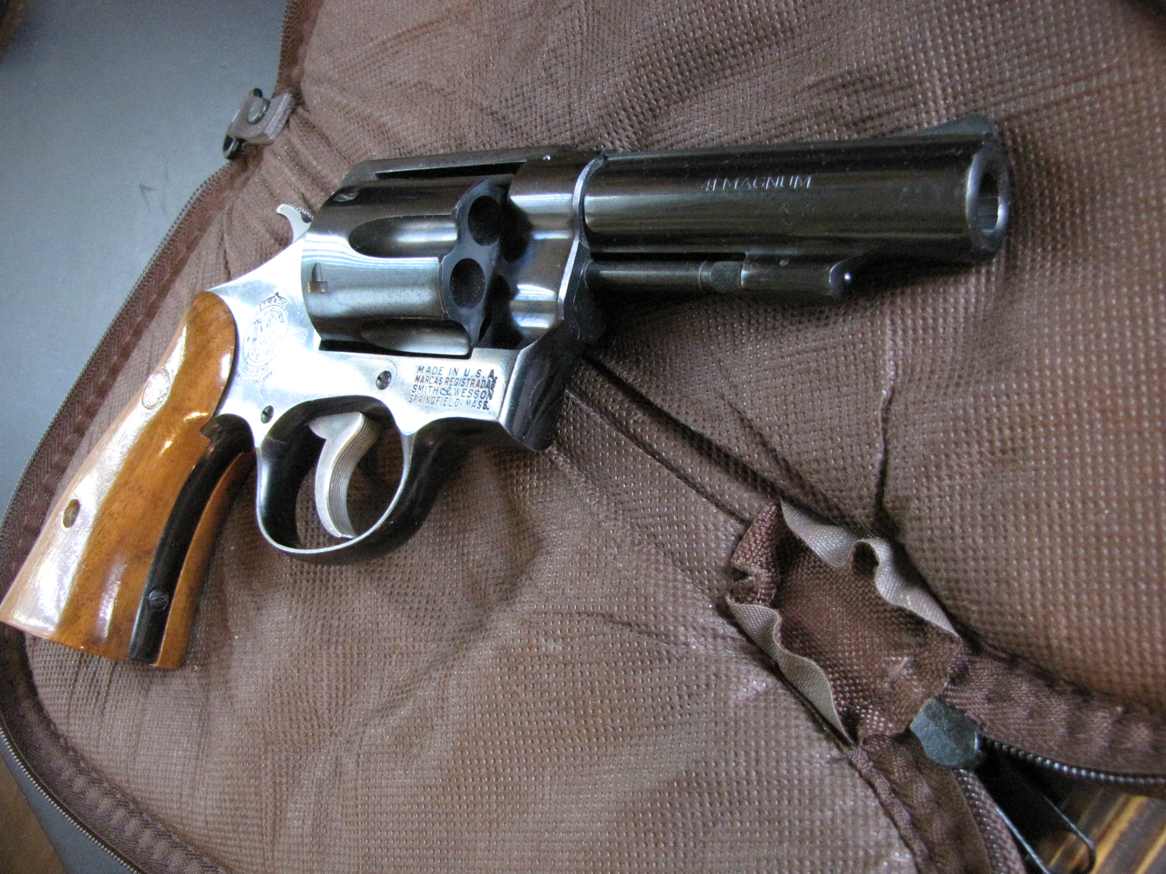 smith wesson serial number lookup