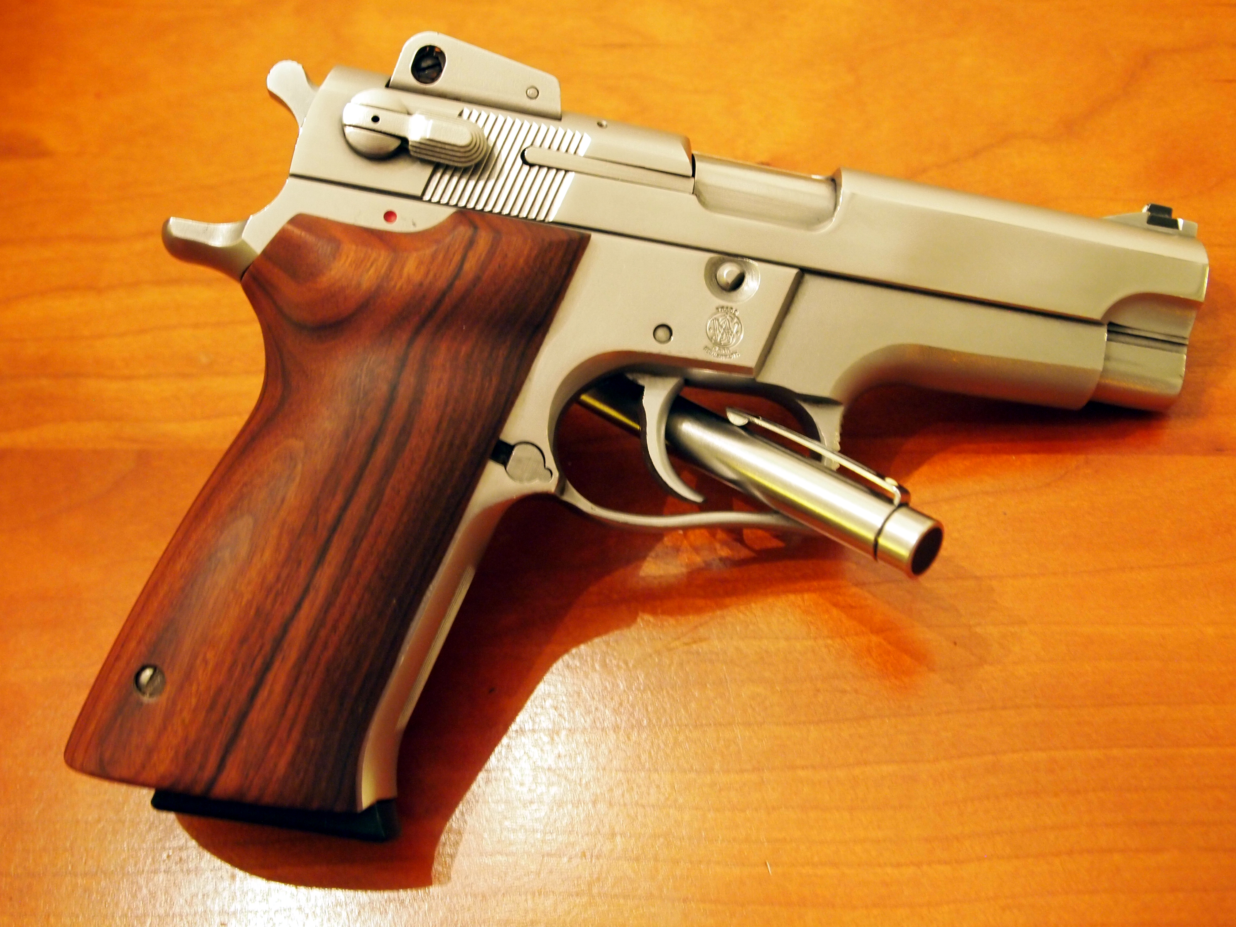 pistole smith wesson mod 5906 9mm