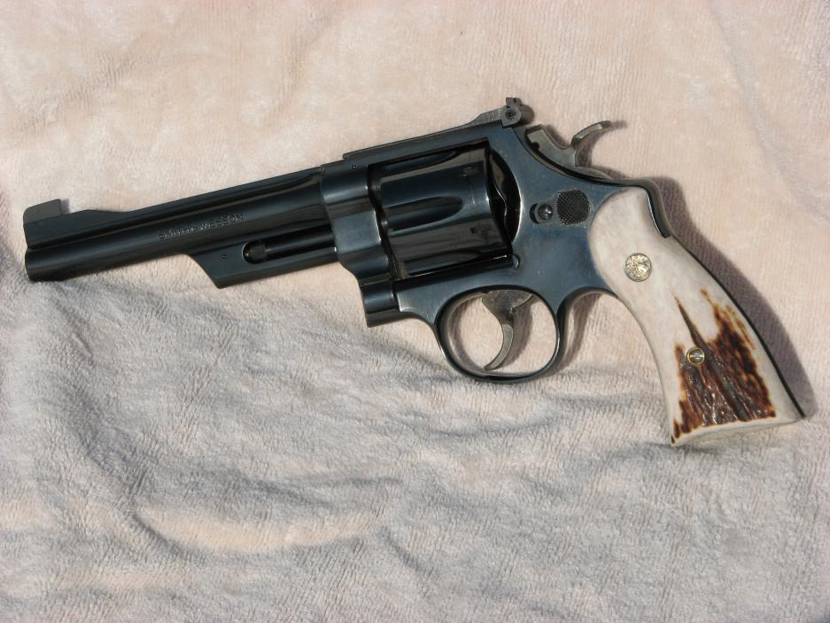 Smith et Wesson 28-2 datant