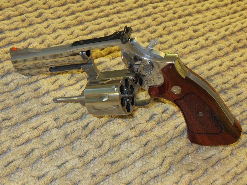 Name SW Revolvers M686 3 2 Views 4517 Size 1515 KB