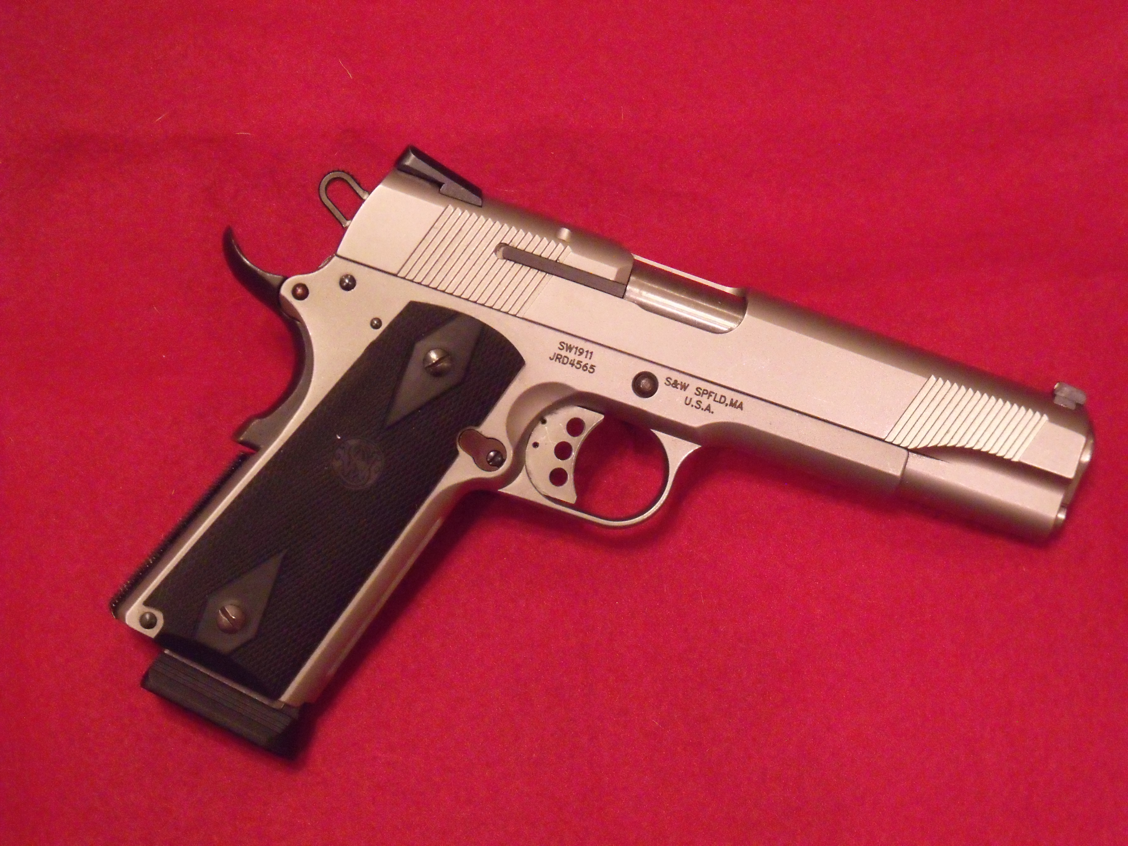 So    what's the REAL poop on S&W's 1911?